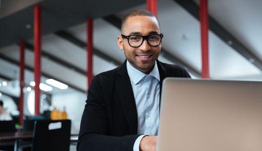 IT services man latop smart glasses